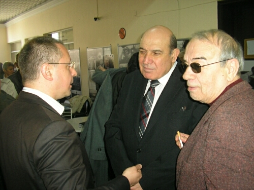 Сергей Станишев, Минчо Минчев и Евгений Гиндев в кулоарите на